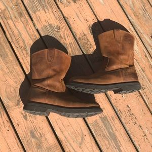 9654ac065e7 Wolverine Shoes | New In Box Wellington Durashocks W04695 | Poshmark